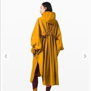 EXTREMELY RARE lululemon x Roksanda Rain Poncho